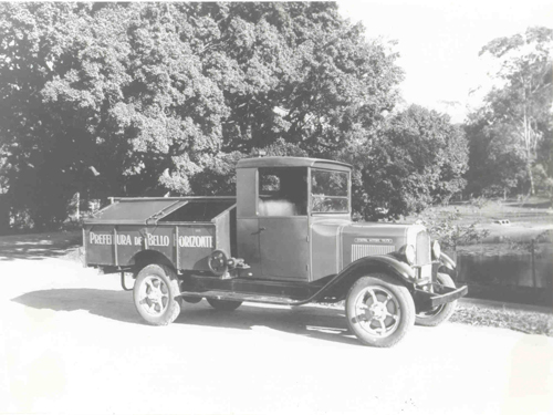caminhao-basculante-empregado-na-coleta-domiciliar-parque-municipal-1930
